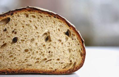 Zielony chlebak w kuchni